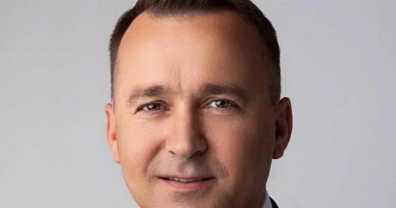 Po rekonstrukcji, w rządzie znajdziemy wiele nowych twarzy. Wśród nich jest Michał Cieślak z partii Porozumienie. Polityk zajmie się rozwojem samorządu terytorialnego. Kim jest Michał Cieślak?