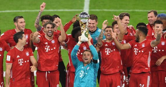 Piłkarze Bayernu Monachium, z Robertem Lewandowskim w składzie, wywalczyli Superpuchar Niemiec. Na własnym stadionie pokonali w czwartek Borussię Dortmund 3:2. To ich piąte trofeum w tym sezonie.