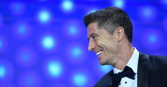 """Robert Lewandowski po odebraniu w Genewie nagrody dla najlepszego piłkarza UEFA w sezonie 2019/20 przyznał, że jest """"wdzięczny, dumny i szczęśliwy"""". """"To coś szczególnego, ciężko na to pracowałem"""" - powiedział Polak."""