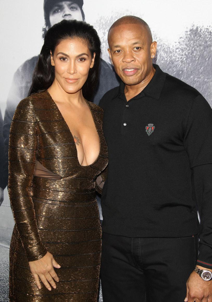 Producent wielu hitów Dr. Dre wygrał ważną batalię rozwodową ze swoją żoną. Według postanowienia  sądu gwiazdor nie musi płacić 1,5 miliona dolarów na jej wydatki na bezpieczeństwo.