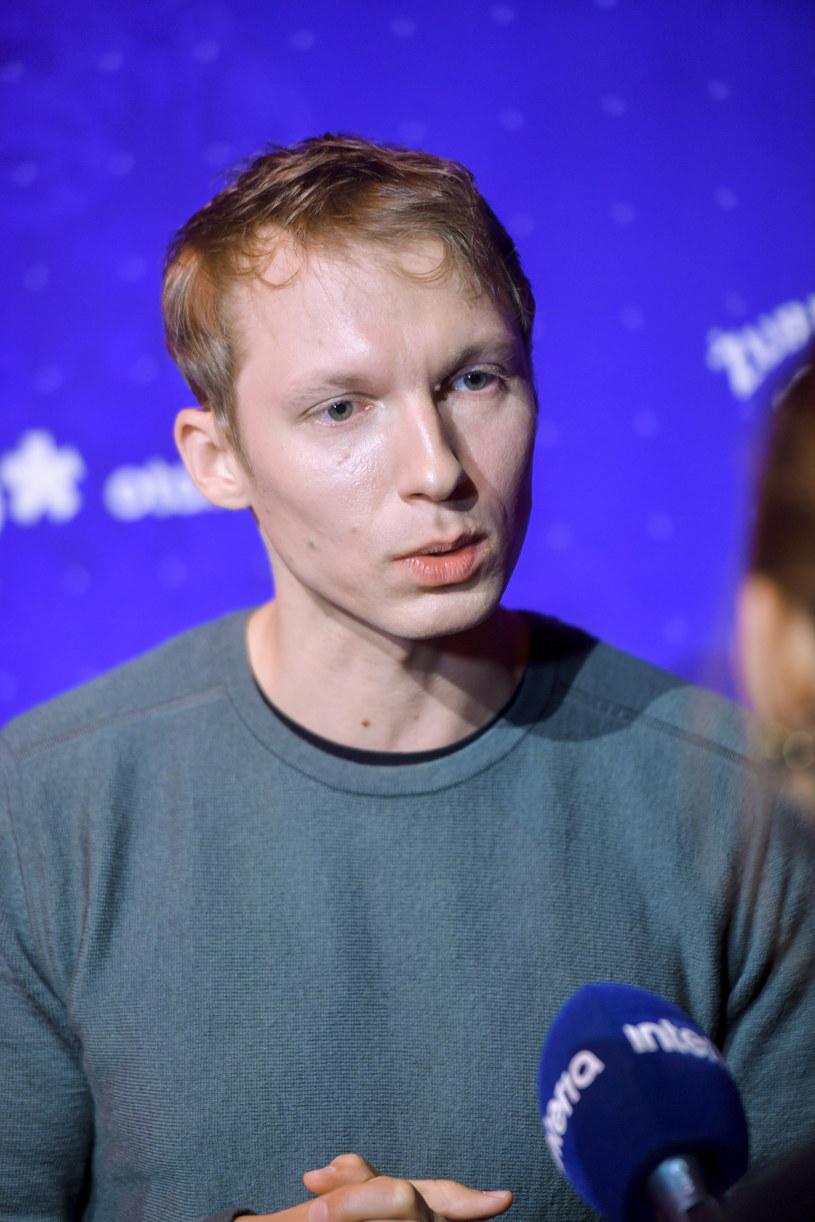 """- Nie ukrywam, że chciałbym zostać dostrzeżony w postaci mojego solowego albumu - mówi w rozmowie z Interią Igor Herbut. Jego """"Chrust"""" trafił do sprzedaży w połowie kwietnia."""