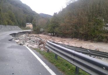2 osoby nie żyją, 22 są zaginione, 54 milionu euro strat. Tragiczny bilans ulew we Włoszech