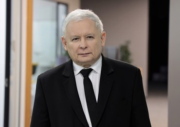 Nowy rząd z Kaczyńskim, budżet z deficytem i walka z antymaseczkowcami