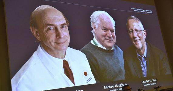 Instytut Karoliński przyznał tegoroczną nagrodę Nobla w dziedzinie fizjologii lub medycyny trzem naukowcom, którzy odkryli mechanizm zakażenia wirusowym zapaleniem wątroby typu C. Nagrodę podzielą między siebie Amerykanin Harvey J. Alter, Brytyjczyk Michael Houghton i Amerykanin Charles M. Rice, których badania pomogły ustalić przyczyny jednej z najpoważniejszych chorób wątroby, dotykającej na całym świecie co najmniej 70 milionów osób.