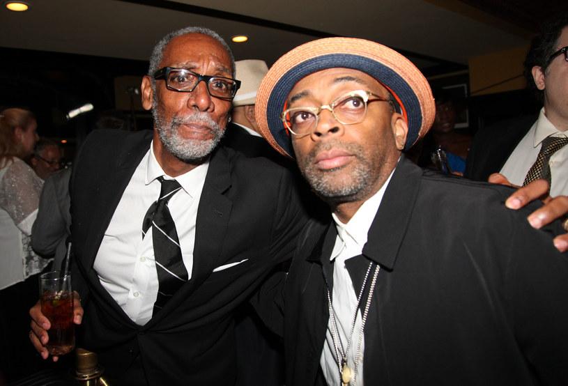 """Światem filmu wstrząsnęła w sobotę, 3 października, śmierć nominowanego do nagrody Tony aktora Thomasa Jeffersona Byrda. Artystę pożegnał w kilku wpisach na Instagramie reżyser Spike Lee. """"Spoczywaj w pokoju bracie Byrd"""" - napisał reżyser, który zaangażował aktora do kilku swoich filmów."""