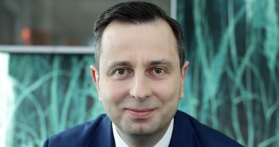 Lider Polskiego Stronnictwa Ludowego Władysław Kosiniak-Kamysz poinformował, że test na koronawirusa dał u niego wynik negatywny. Mimo to polityk pozostaje na razie na kwarantannie.