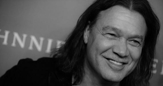 Zmarł Eddie Van Halen. Gitarzysta legendarnego zespołu hardrockowego Van Halen był chory na raka. O jego śmierci poinformował syn muzyka, Wolf Van Halen.
