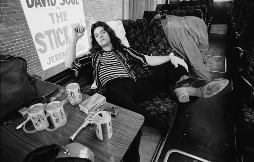 Zmarły 6 października Eddie Van Halen był uznawany za jednego z najlepszych gitarzystów rockowych wszech czasów. Po jego śmierci w mediach społecznościowych błyskawicznie pojawiły się kondolencje i wspomnienia od jego kolegów po fachu.