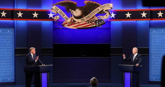 """Druga debata prezydencka między Donaldem Trumpem i Joe Bidenem, pierwotnie zaplanowana na 15 października, została w piątek wieczorem czasu lokalnego odwołana przez niezależną komisję odpowiedzialną za jej organizację. Pojedynek między kandydatami ma się odbyć w formie zdalnej. Prezydent USA zapowiedział, że nie weźmie w niej udziału.  """"Nie będę robić wirtualnej debaty"""" - zadeklarował Trump w telefonicznym wywiadzie dla Fox Business Network."""