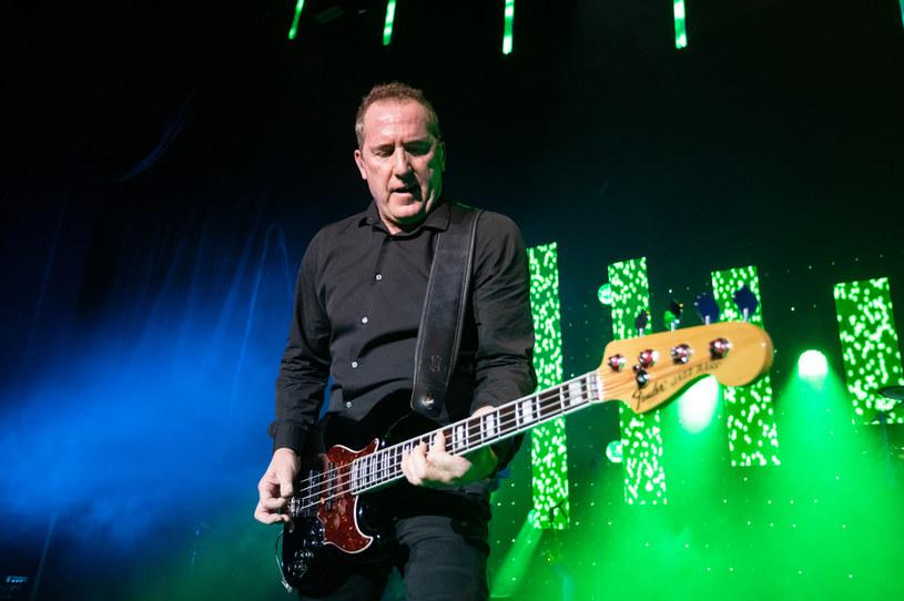 """61-letni Andy McCluskey, wokalista brytyjskiej grupy OMD (pamiętny przebój """"Enola Gay"""" z 1980 r.), poinformował, że potwierdzono u niego zakażenie koronawirusem. To kolejna osoba ze środowiska muzycznego, która zmaga się z COVID-19."""