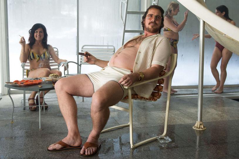 """John David Washington, Christian Bale i Margot Robbie pojawią się w obsadzie nowego filmu Davida O. Russella, reżysera takich hitów jak m.in. """"Poradnik pozytywnego myślenia"""", """"American Hustle"""" i """"Złoto pustyni""""."""
