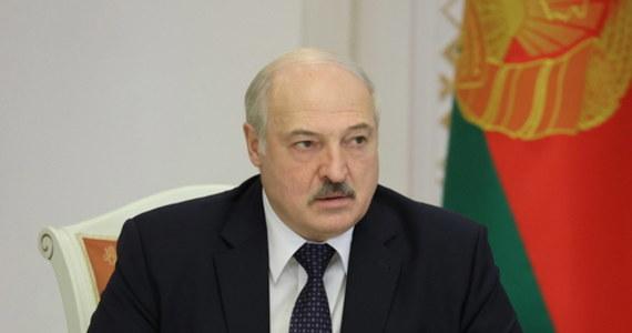 Ministrowie spraw zagranicznych Unii Europejskiej zdecydowali, że na nowej liście sankcji w związku z wydarzeniami na Białorusi znajdzie się Alaksandr Łukaszenka - poinformowały PAP źródła unijne.