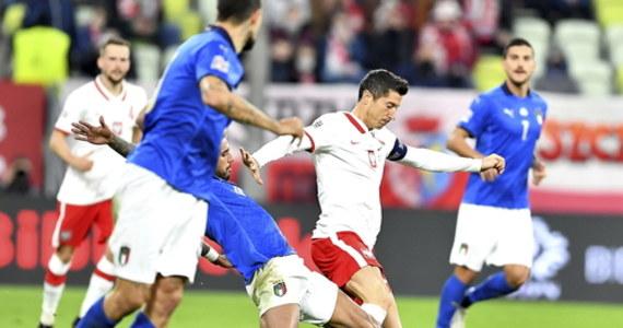 Robert Lewandowski narzeka na stłuczenie i nie wiadomo, czy zagra w środę z Bośniakami w Lidze Narodów. W poniedziałkowym treningu w Sopocie, gdzie reprezentacja Polski kontynuuje zgrupowanie, wzięło udział czternastu piłkarzy, głównie rezerwowych z meczu z Włochami.