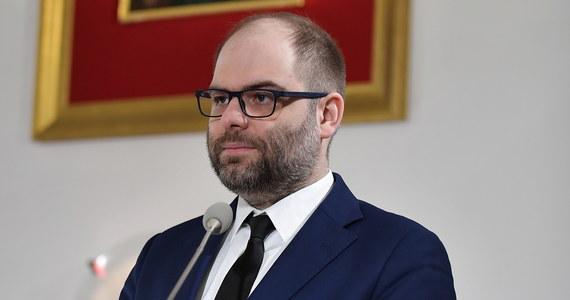 Wiceminister Paweł Lewandowski złożył dymisję z funkcji podsekretarza stanu w Ministerstwie Kultury i Dziedzictwa Narodowego - podało MKiDN.