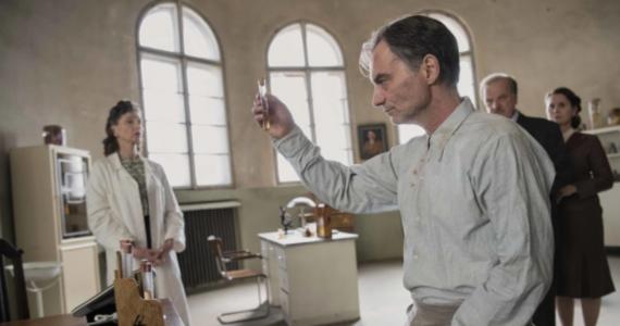 """""""Szarlatan"""" w reż. Agnieszki Holland, inspirowany życiorysem czechosłowackiego zielarza Jana Mikolaska, będzie czeskim kandydatem do Oscara w kategorii najlepszy pełnometrażowy film międzynarodowy."""
