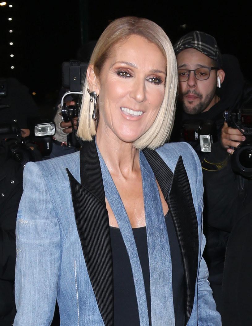 """Fani nie kryli zachwytów nad nowym zdjęciem Celine Dion, na którym pozuje bez makijażu. """"Wyglądasz pięknie w naturalnej wersji""""', """"Jak nowonarodzona"""" – pisali."""