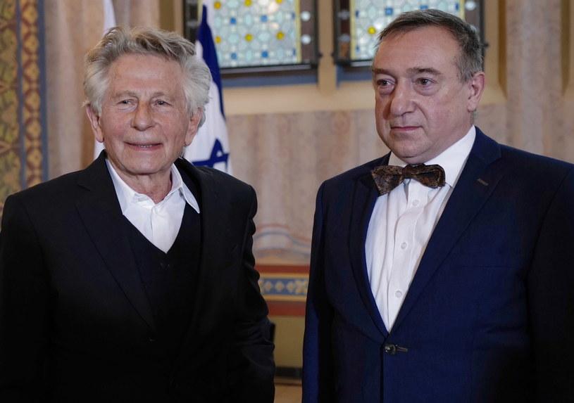 """Stefania i Jan Buchałowie, którzy w czasie II wojny światowej udzielili schronienia 9-letniemu wówczas Romanowi Polańskiemu, zostali w czwartek pośmiertnie odznaczeni medalami Sprawiedliwi Wśród Narodów Świata. """"Dzięki nim jestem tutaj dzisiaj"""" - powiedział obecny na uroczystości reżyser."""