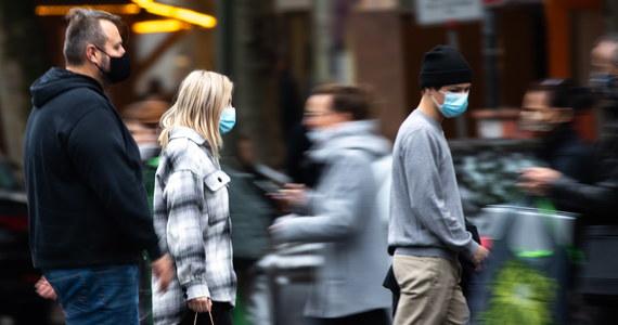 W opublikowanym w czwartek komunikacie odpowiedzialny za zwalczanie chorób zakaźnych w Niemczech Instytut im. Roberta Kocha (RKI) po raz pierwszy rozszerzył na Polskę strefę zagrożenia koronawirusowego, której odwiedzanie pociąga za sobą konieczność odbycia kwarantanny.