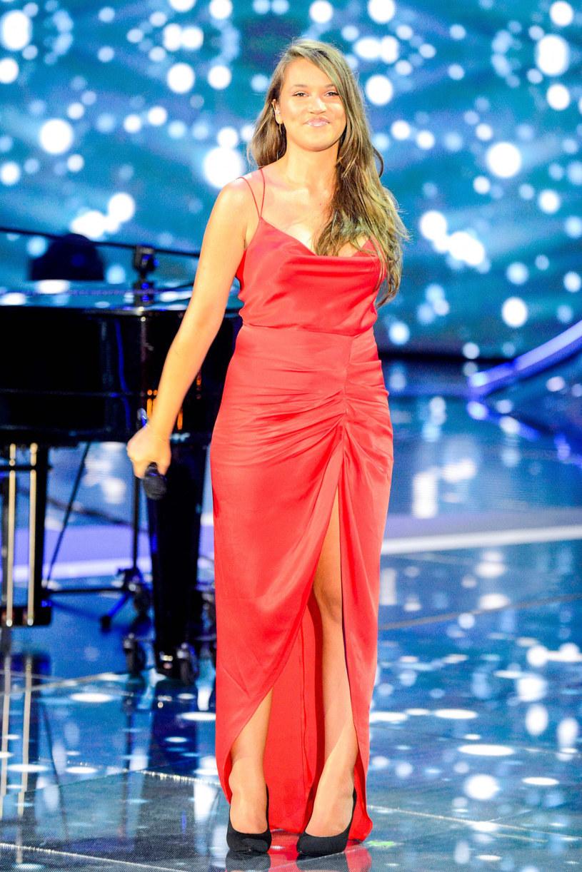 """Jako najbardziej osobisty Alicja Szemplińska zapowiedziała swój najnowszy utwór """"Pusto"""". Do sieci trafił już teledysk do tego singla."""