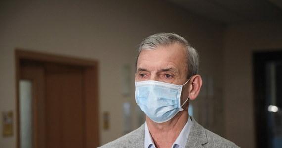 """Prezes ZNP apeluje do premiera o przejęcie osobistego nadzoru nad edukacją. """"Mamy sytuację bezkrólewia"""" - ostrzega Sławomir Broniarz."""