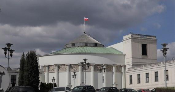 Posiedzenie Sejmu we wtorek; będzie wystąpienie premiera Mateusza Morawieckiego z informacją o stanie państwa w sytuacji pandemii - poinformował w piątek wicemarszałek Sejmu Ryszard Terlecki (PiS).