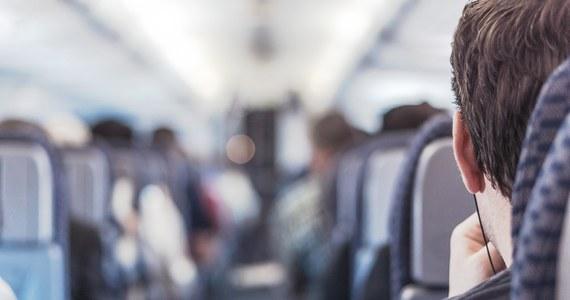 """Ryzyko zakażenie koronawirusem pasażerów linii lotniczych jest minimalne. Tak podaje dziennik """"USA Today"""", powołując się na ostatnie badanie przeprowadzone dla Departamentu Obrony."""