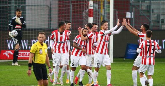 """Piłkarze Cracovii pokonali 1:0 Piasta Gliwice w pierwszym meczu siódmej kolejki ekstraklasy. """"Pasy"""" przerwały tym samym serię pięciu kolejnych spotkań bez wygranej."""