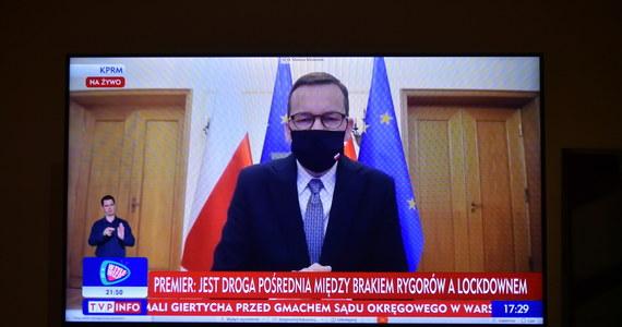 Premier Mateusz Morawiecki zakończył odbywanie kwarantanny - poinformował w niedzielę rzecznik rządu Piotr Müller. W południe rozpoczęło się posiedzenie Rządowego Zespołu Zarządzania Kryzysowego.