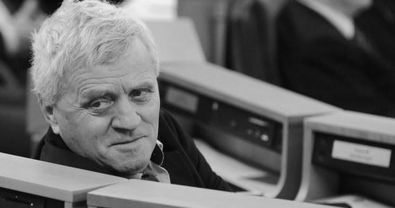 Nie żyje były senator Prawa i Sprawiedliwości Stanisław Kogut. Jak dowiedzieli się reporterzy RMF FM, zmarł w szpitalu w małopolskich Gorlicach. Był zakażony koronawirusem.