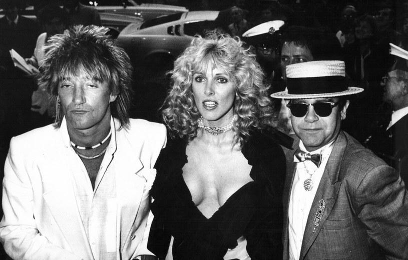 Muzycy, którzy w uznaniu zasług dla kultury Wielkiej Brytanii zostali uhonorowani przez królową Elżbietę II orderami i tytułami rycerskimi, od ponad roku są na siebie obrażeni. W zasadzie to Elton John chowa urazę do Roda Stewarta, mimo że ten już go przeprosił. Teraz jednak pojawiła się szansa na to, że panowie się pogodzą.