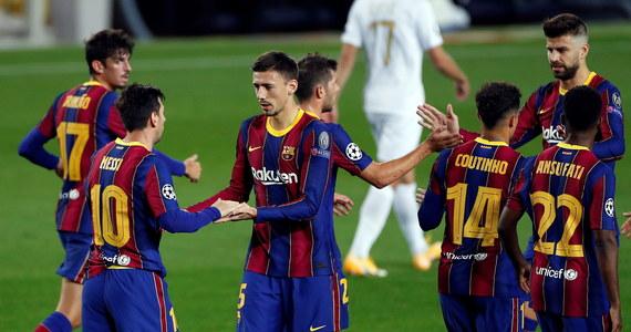 Piłkarze Barcelony zwycięstwem nad Ferencvarosi TC Budapeszt 5:1, m.in. dzięki 116. bramce w tych rozgrywkach Lionela Messiego, zainaugurowali nową edycję Ligi Mistrzów. Od porażki zaczął niedawny finalista - Paris Saint-Germain uległ Manchesterowi United 1:2.