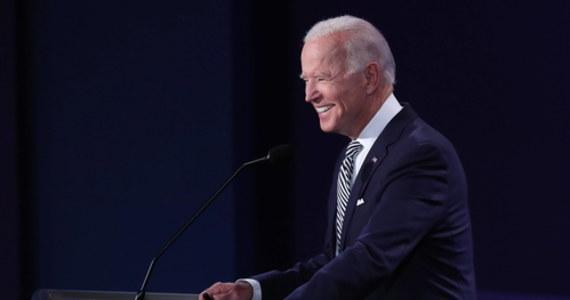 Joe Biden, demokratyczny rywal Donalda Trumpa w wyścigu do Białego Domu, ma na Florydzie minimalną przewagę - jednego punktu procentowego - nad urzędującym prezydentem: takie są wyniki sondażu University of North Florida w Jacksonville. A - jak zauważają komentatorzy - wiele wskazuje na to, że bez Florydy tych wyborów wygrać się nie da. Biden prowadzi również w sondażach ogólnokrajowych: niektóre dają mu nawet dwucyfrową przewagę.