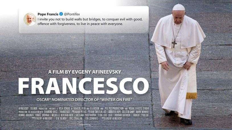 """Papież Franciszek powiedział, że osoby homoseksualne """"mają prawo być w rodzinie"""". """"To dzieci Boże i mają prawo do rodziny"""" - dodał. Słowa te wypowiedział w filmie dokumentalnym, jaki nakręcił urodzony w Rosji i pracujący w USA reżyser Evgeny Afineevsky."""