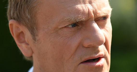 """""""Wrzucenie tematu aborcji i orzeczenie w tej sprawie pseudotrybunału w środku szalejącej pandemii to coś więcej niż cynizm. To polityczne łajdactwo"""" - tak były premier, szef Europejskiej Partii Ludowej Donald Tusk skomentował wyrok Trybunału Konstytucyjnego."""