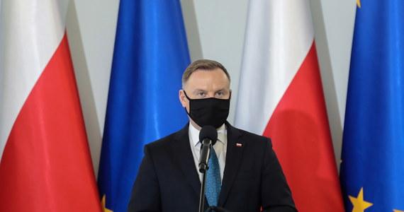 Poglądy prezydenta Andrzeja Dudy w sprawie aborcji są powszechnie znane, one się nie zmieniły; wyrażamy satysfakcję, że Trybunał Konstytucyjny stanął po stronie życia - powiedział rzecznik prezydenta Błażej Spychalski.