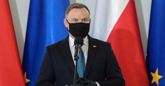 """Wiele razy o tym mówiłem i nigdy tego nie ukrywałem, że aborcja z tzw. względów eugenicznych nie powinna być w Polsce dozwolona. Uważałem i uważam, że każde dziecko ma prawo do życia - powiedział w wywiadzie dla """"Dziennika Gazety Prawnej"""" prezydent Andrzej Duda."""