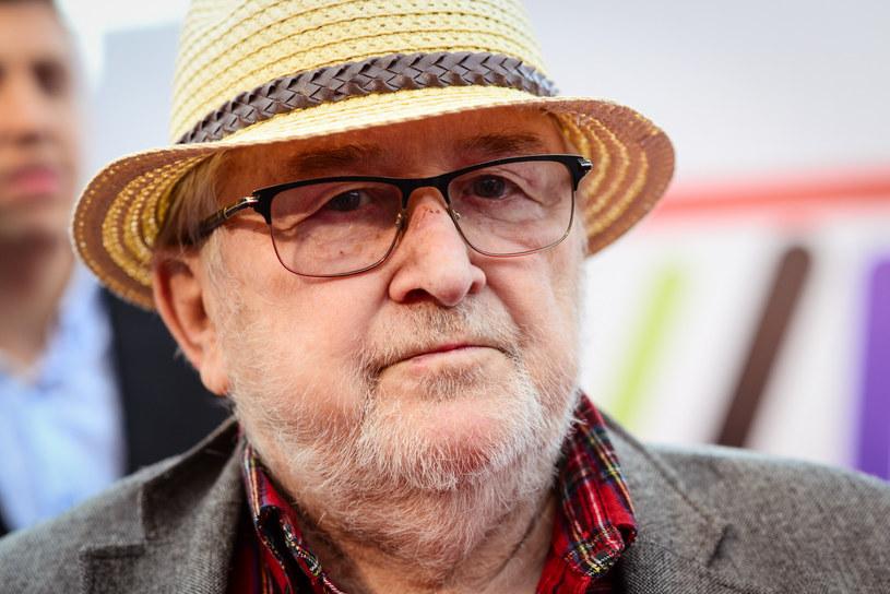 Plac Teatralny w Rybniku (Śląskie) będzie nosił imię wybitnego reżysera Kazimierza Kutza – zdecydowali rybniccy radni. Z inicjatywą zmiany nazwy placu wystąpił podczas sesji rady miasta poseł do Parlamentu Europejskiego Łukasz Kohut (Wiosna).