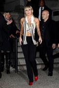 """Miley Cyrus musiała """"odnaleźć siebie w popiołach"""". Kiedy premiera nowej płyty """"Plastic Hearts""""?"""