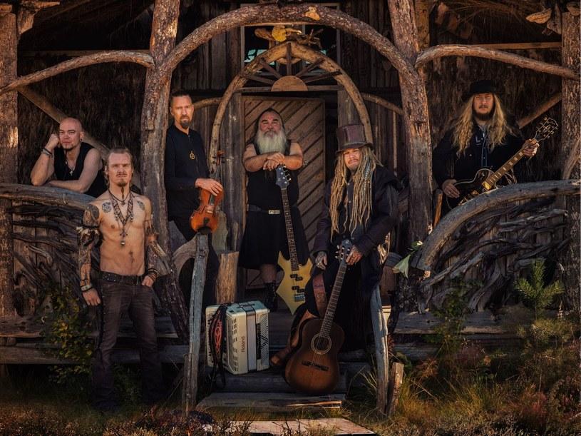 Folkmetalowa formacja Korpiklaani z Finlandii przygotowała nowy materiał.
