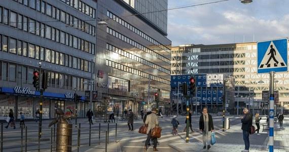 W Szwecji w ciągu ostatnich dni odnotowano największą od początku epidemii liczbę zakażeń koronawirusem. Epidemią szczególnie dotknięty jest region Skania, którego władze wprowadziły dodatkowe restrykcje.