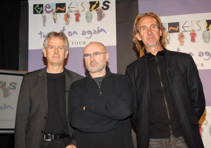 """Na profilach grupy Genesis w mediach społecznościowych pojawiło się wspólne zdjęcie muzyków, którzy przygotowują się do trasy """"The Last Domino?"""". Zespół odbył pierwszą wspólną próbę po 13 latach przerwy."""