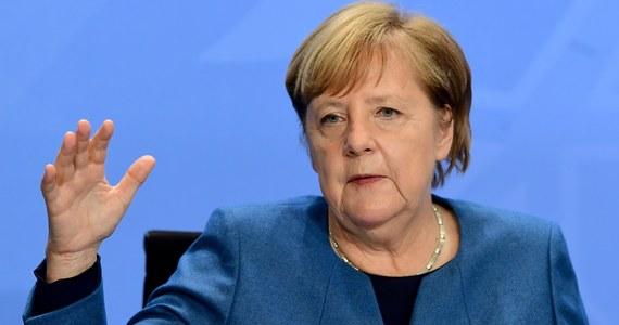 """Niemcy wprowadzą miesięczny lockdown, w ramach którego zamknięte zostaną restauracje, siłownie i teatry, by odwrócić trend wzrostu zakażeń koronawirusem. """"Musimy podjąć działania"""" - powiedziała kanclerz Angela Merkel."""