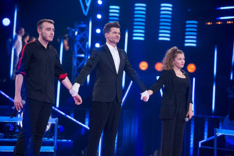 Weronika Szymańska i Krystian Ochman zaśpiewali jeden z największych przebojów obecnych czasów, czym skradli serca trenerów i widzów.