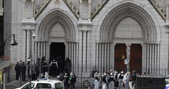 Sprawca bestialskiego ataku w kościele w Nicei we Francji to 21-letni nielegalny tunezyjski imigrant. Według źródeł we francuskiej policji przybył on do Europy przez Morze Śródziemne wraz z innymi afrykańskimi imigrantami. Przypomnijmy, że zabił on w bazylice Notre Dame w Nicei trzy osoby, którym próbował odciąć głowy.