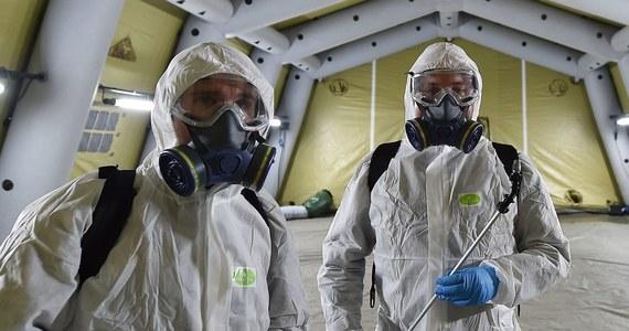 """Sytuacja pandemiczna we Włoszech jest pod pewnymi względami """"dramatyczna"""", """"koronawirus odzyskał siłę"""" - oświadczył w czwartek rządowy komisarz ds. kryzysu sanitarnego Domenico Arcuri. Zaapelował do Włochów, by przemieszczali się tylko, gdy jest to konieczne."""