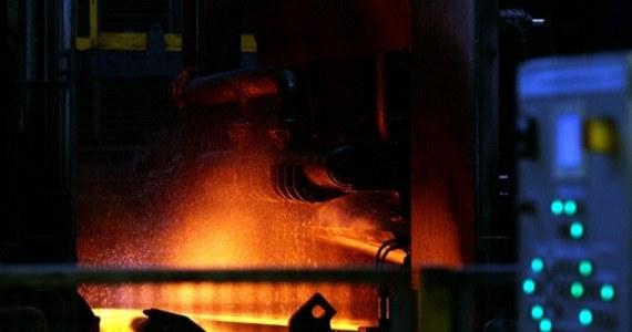 Tragedia w krakowskiej hucie ArcelorMittal. w koksowni dwóch pracowników zatruło się tlenkiem węgla. Pomimo reanimacji jeden z nich zmarł.