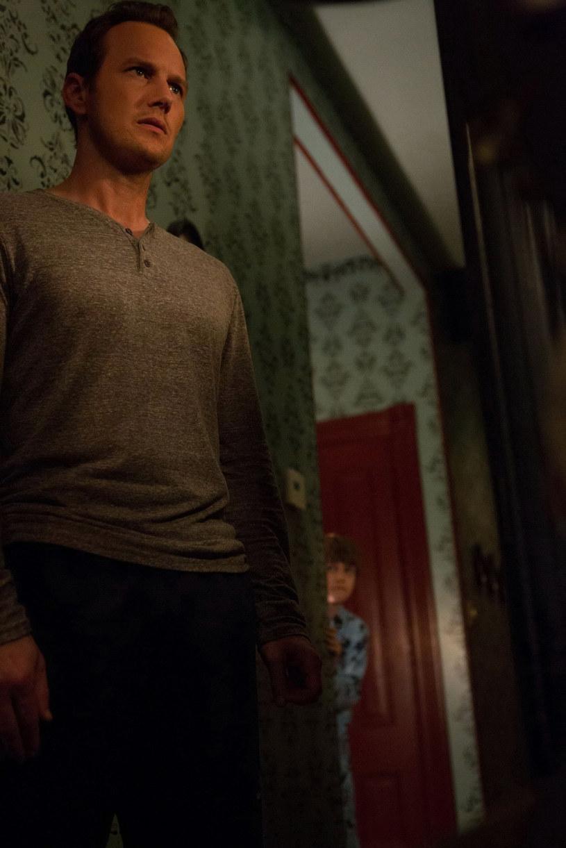 """Patrick Wilson powróci do popularnej serii """"Naznaczony"""" - donosi portal """"Deadline"""". Aktor, który ostatni raz pojawił się na dłużej w drugiej odsłonie tego cyklu, teraz zagra w części piątej, a do tego będzie jej reżyserem."""