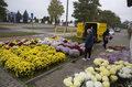 180 mln zł dla przedsiębiorców, którzy nie sprzedadzą zniczy i kwiatów