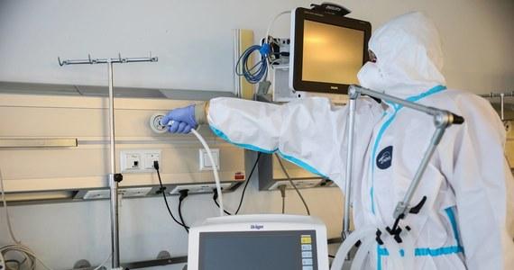 W niedzielę wieczorem zajęte były wszystkie respiratory dla pacjentów z COVID-19 w województwie podlaskim - wynika z danych Podlaskiego Urzędu Wojewódzkiego.