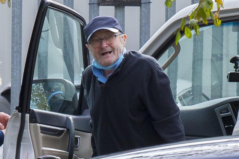 Fani grupy Genesis mocno zaniepokoili się najnowszymi zdjęciami Phila Collinsa. Mający poważne problemy zdrowotne wokalista porusza się na wózku inwalidzkim.